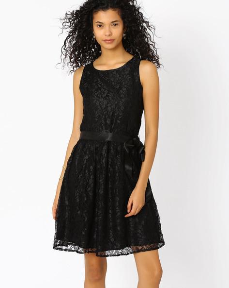 Sleeveless Lace Dress By The Vanca ( Black )