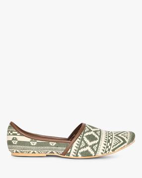 AJIO - Aztec Print Casual Nagra Shoes