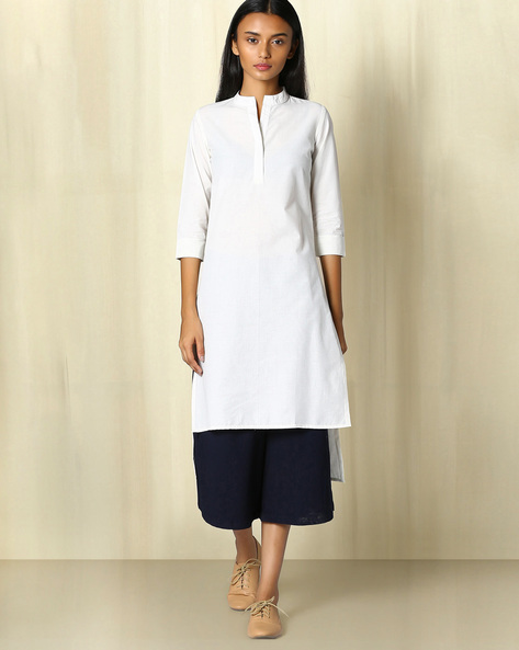 Cotton Kurta With Mandarin Collar By The Wooden Closet ( Offwhite )