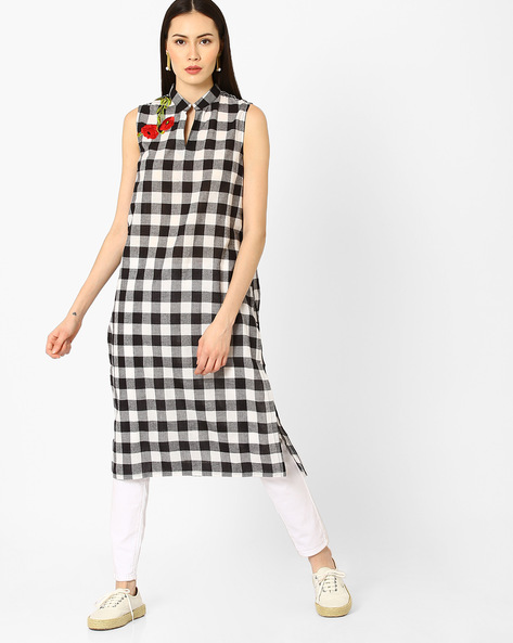 Checked Sleeveless Kurta By AJIO ( Black )
