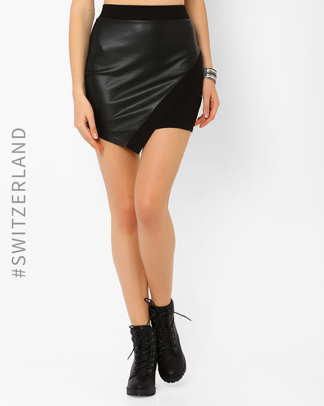 Mini Skirt With Overlap Detail By TALLY WEiJL ( Black )