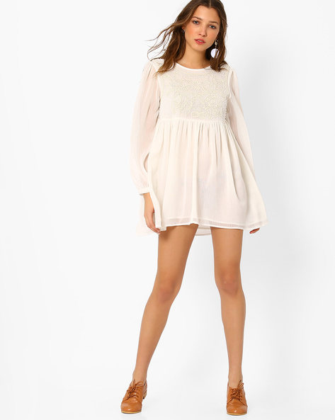 Loose Fit Tunic With Embroidery By Glamorous ( White )