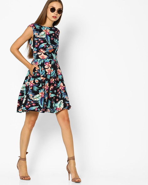 Floral Print Fit & Flare Dress By AJIO ( Black )