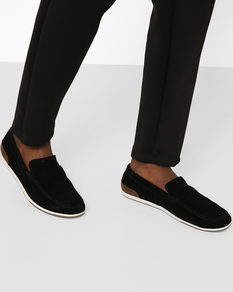 Suede Slip-On Casual Shoes By CLARKS ( Black )