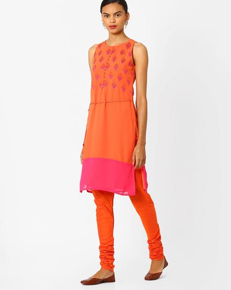 Straight Kurta With Geometric Embroidery By AJIO ( Orange )