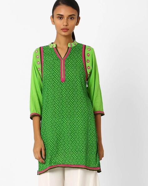 Printed Straight Kurta With Embroidery By Jiyaa ( Green )