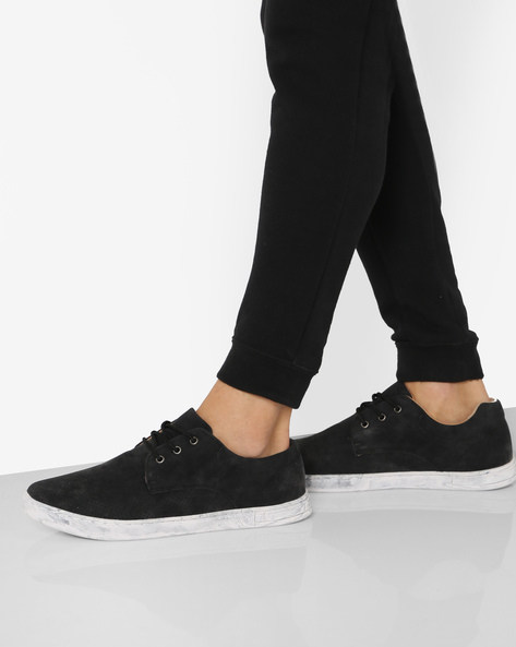 Low-Top Sneakers With Perforations By AJIO ( Black )