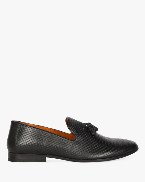 Textured Genuine Leather Loafers With Tassels By RED TAPE ( Black )