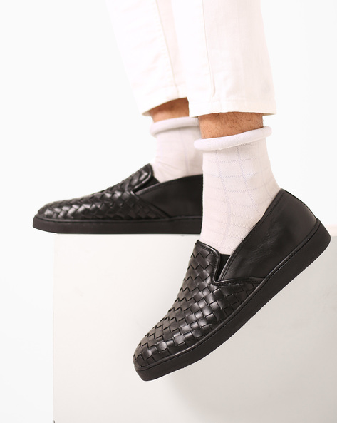 Textured Slip-On Shoes By Carlton London ( Black )