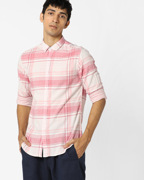 Checked Shirt With Spread Collar By AJIO ( Red )