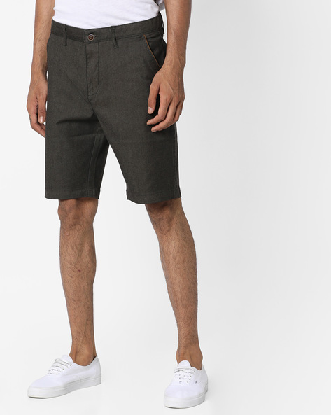 Mid-Rise Slim Fit Shorts By AJIO ( Olive )