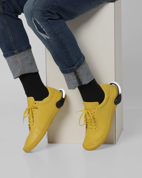 Lace-Up Sneakers With Detachable LED Bands By AJIO ( Mustardyellow )