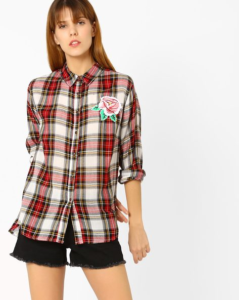 Checked Boyfriend Shirt With Flower Applique By Sassafras ( Red )