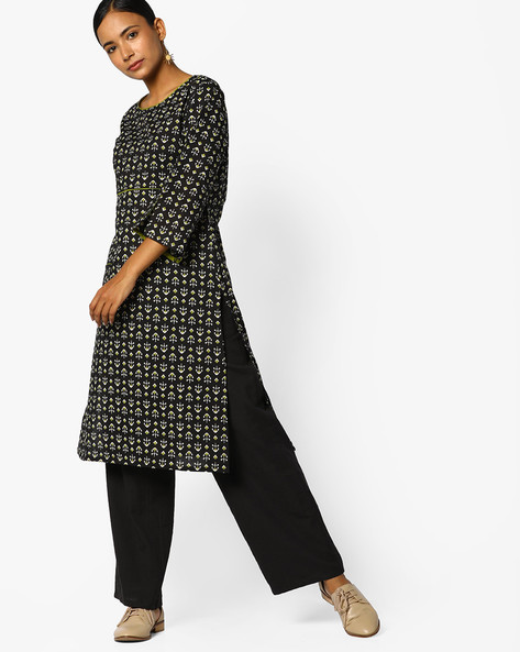 Printed Kurta With Slit Sleeve Hems By AJIO ( Black )