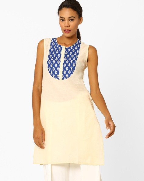 Sleeveless Kurta With Printed Yoke By AJIO ( Blue )