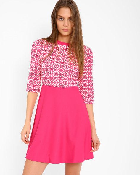 Printed Skater Dress By The Vanca ( Pink )