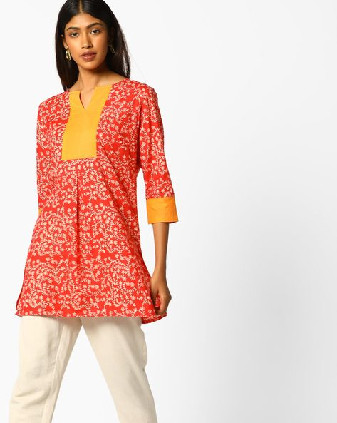Printed Tunic Top With Contrast Sleeve Hems By AJIO ( Coral )