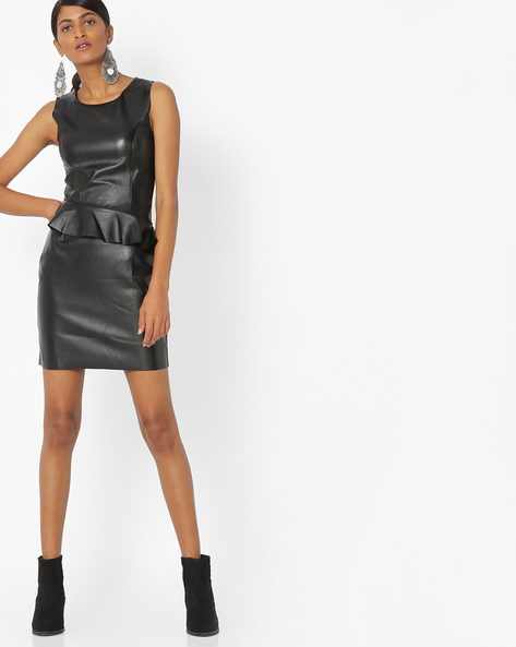 Peplum Dress With Princess Seam By Ginger By Lifestyle ( Black )