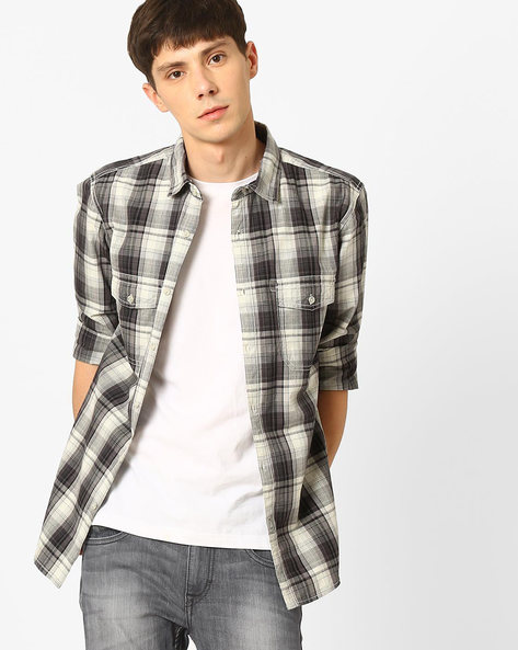 Slim Fit Checked Shirt With Patch Pockets By AJIO ( White )