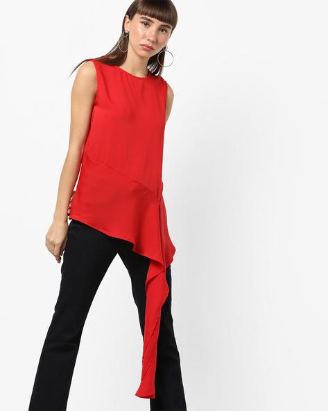 Sleeveless Top With Asymmetrical Hemline By AJIO ( Red )
