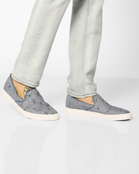 Printed Slip-On Canvas Shoes By UNITED COLORS OF BENETTON ( Blue )