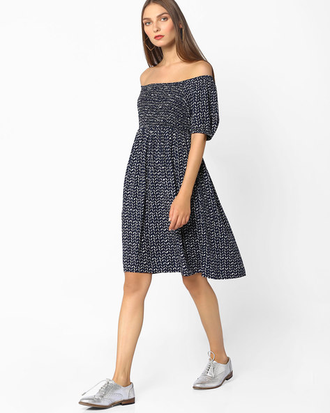 Chevron Print Off-Shoulder Fit & Flare Dress By Oxolloxo ( Blue )