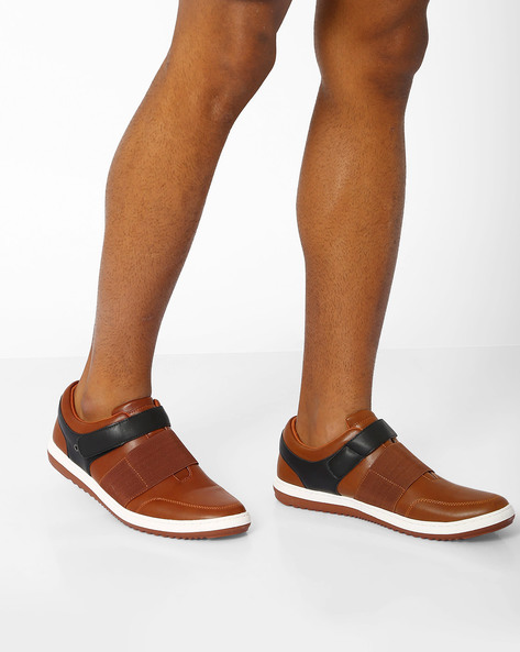 Panelled Casual Shoes With Velcro Closure By AJIO ( Brown )