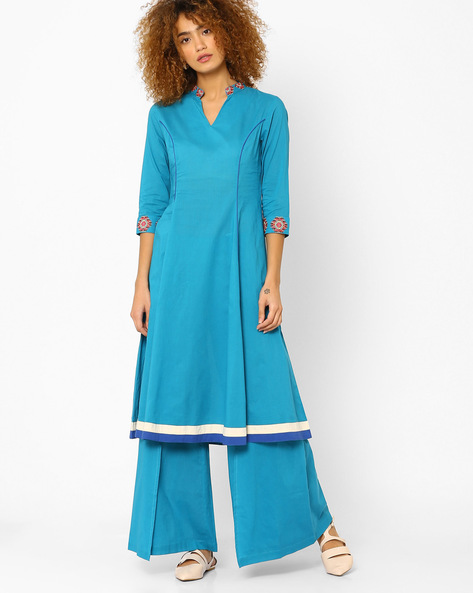 Panelled A-line Kurta With Embroidery By AJIO ( Teal )