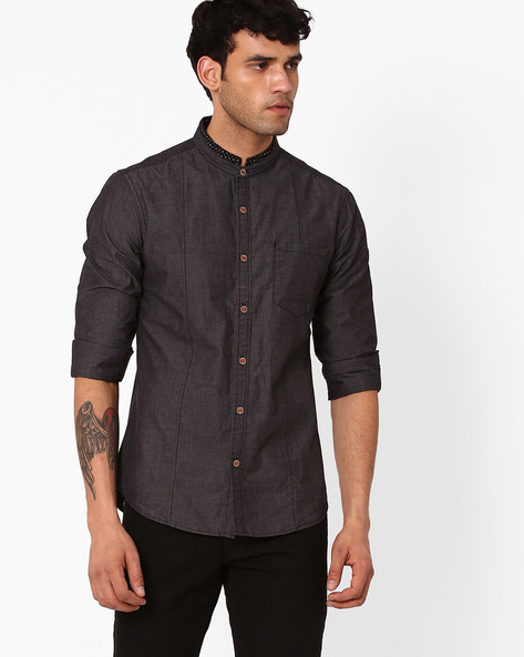 Slim Panelled Shirt With Mandarin Collar By AJIO ( Grey )