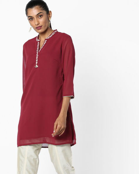 Floral Embroidered Tunic By AJIO ( Red )