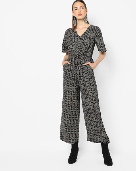 Geometric Print Jumpsuit With Surplice Neckline By Oxolloxo ( Black )