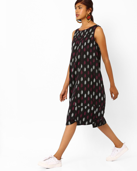Ikat Print Sleeveless Midi Dress By AJIO ( Black )
