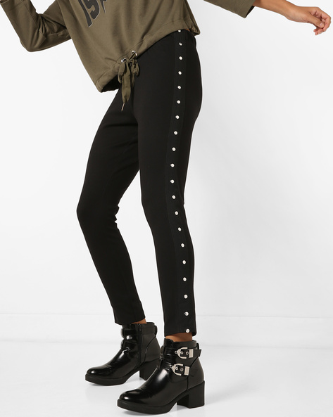 Leggings With Metallic Studs By AJIO ( Black )