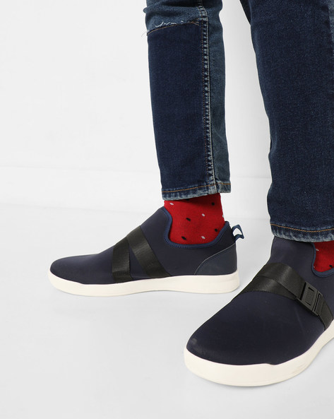 Slip-On Sneakers With Elasticated Click-Clasp By AJIO ( Navy )