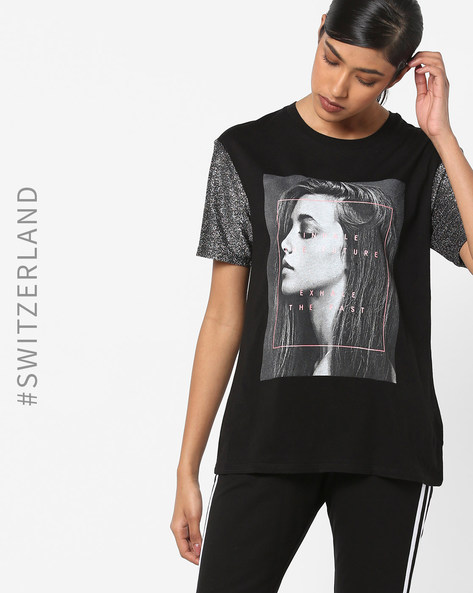 Graphic Print T-shirt With Shimmery Sleeves By TALLY WEiJL ( Black )