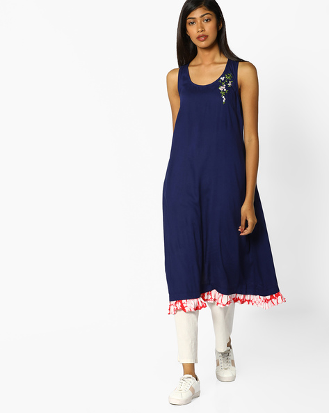 Sleeveless Racerback Kurta With Placement Embroidery By AJIO ( Blue )