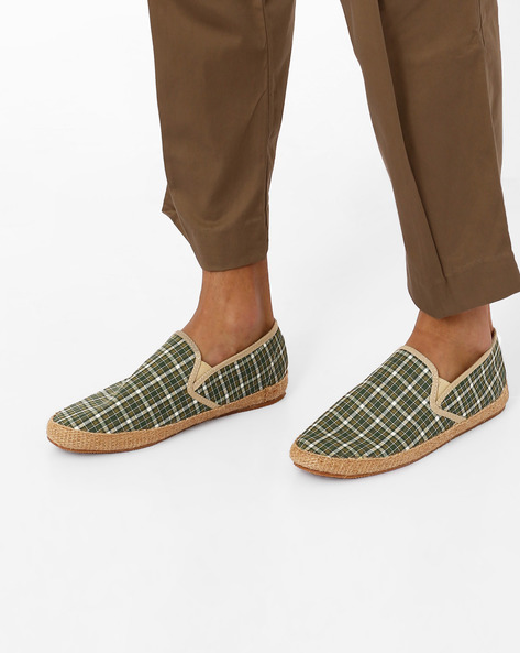 Checked Canvas Espadrilles By Carlton London ( Olive )