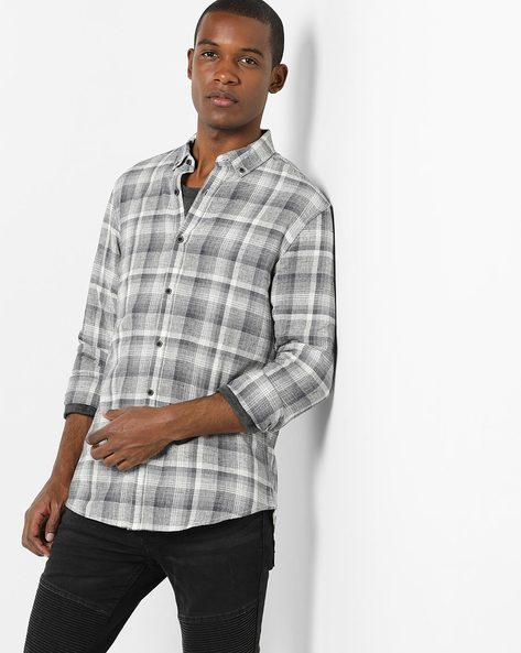 Checked Shirt With Button-Down Collar By AJIO ( Grey )