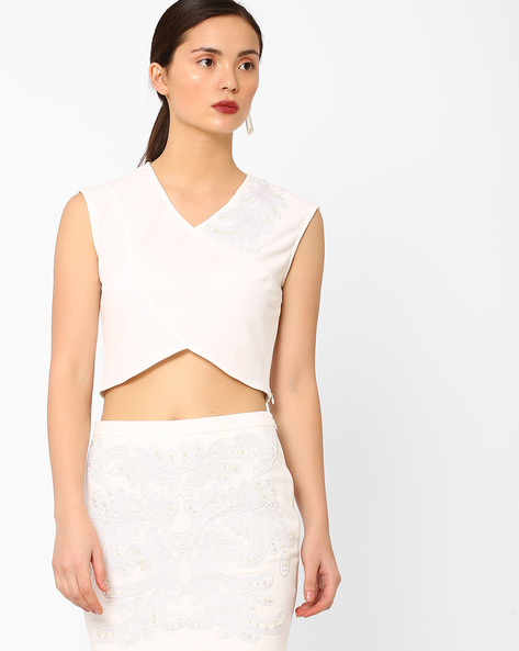 Sleeveless Crop Top With Chord Embroidery By AJIO ( White )