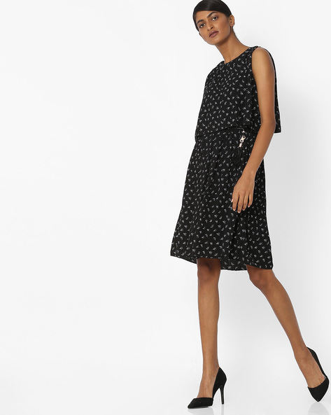 Textured All-Over Print Popover Dress By Deal Jeans ( Black )