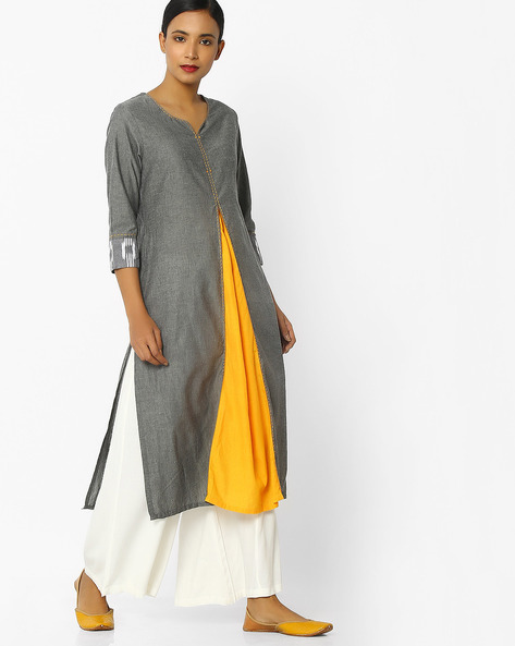 Panelled Kurta With Printed Sleeve Hems By SIYAHI ( Greymelange )