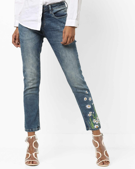 Mid-Rise 5-Pocket Jeans With Floral Embroidery By AJIO ( Darkblue )