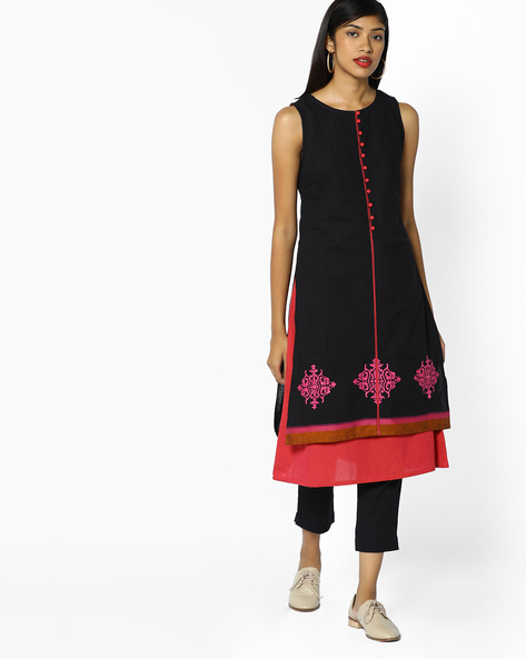 Embroidered Sleeveless Kurta By AJIO ( Black )