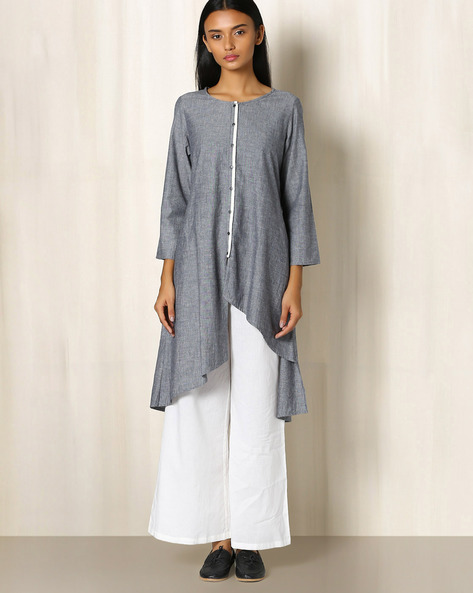 Cotton Slub Chambray Kurta With Asymmetrical Hem By The Wooden Closet ( Charcoal )