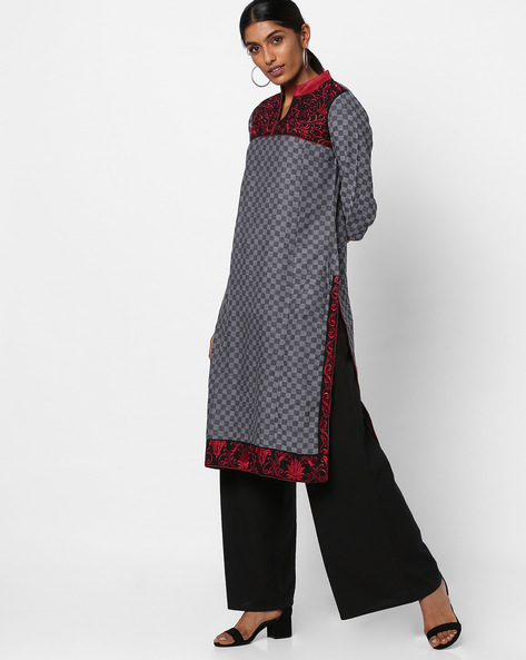 Checked Straight Kurta With Embroidery By Vishudh ( Black )