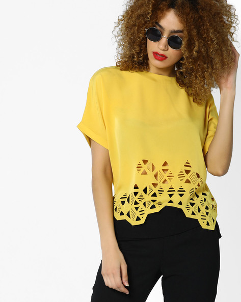 Cut-Out Kaftan Top With Bell Sleeves By AJIO ( Mustard )