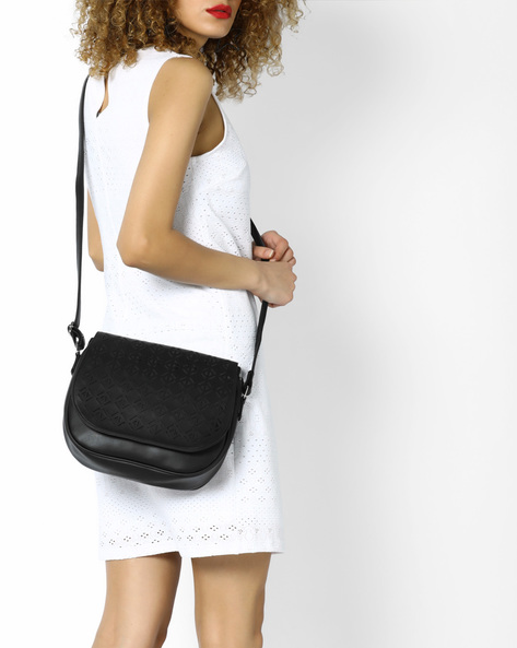 Laser-Cut Sling Bag With Detachable Straps By AJIO ( Black )