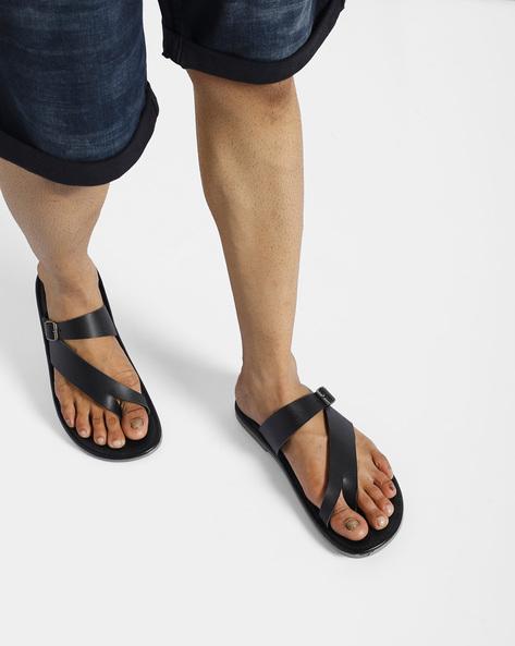 Flat Sandals With Toe Loop By AJIO ( Black )
