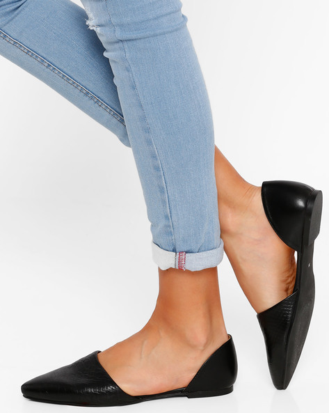 Textured Pointed-Toe Flat Shoes By AJIO ( Black )