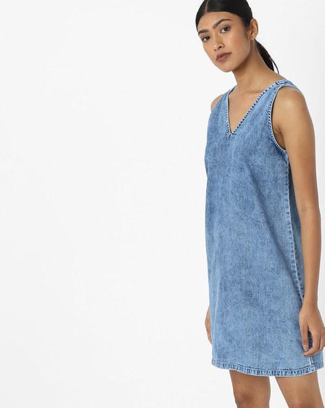 Sleeveless Denim Pinafore Dress By AJIO ( Lightblue )
